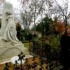 Dr. Lieselotte Kugler (Direktorin Museum für Kommunikation Berlin) spricht während der Übergabe am 22. November 2013 am Grab von Heinrich von Stephan
