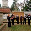 Wandelkonzert an den Gräbern von Abraham und Lea Mendelssohn Bartholdy, Sukkat Shalom Chor der Synagoge Hüttenweg, Leitung Esther Hirsch