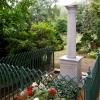 Das Grabmal Amalie Wolff während der feierlichen Übergabe im Juni 2013